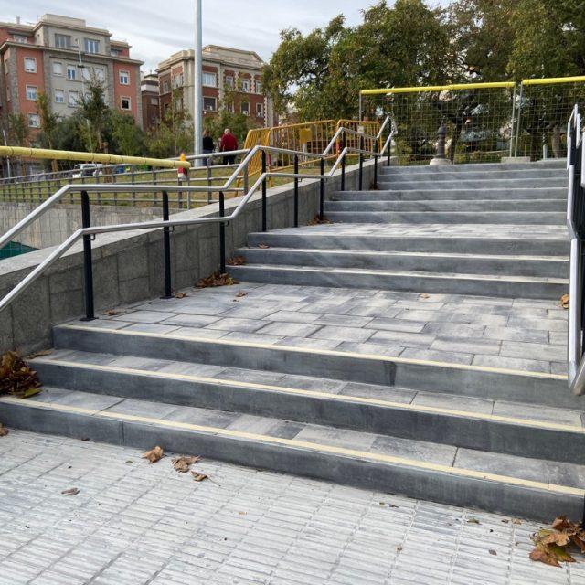 Millora de l'accessibilitat de les escales Pça. Ferran Casablancas