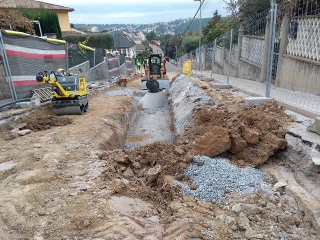 Excavació, col.locació de tubs i execució de pous